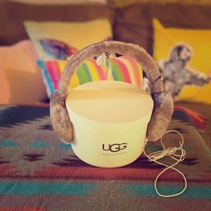 Ugg Classic Wired Ear Muffs